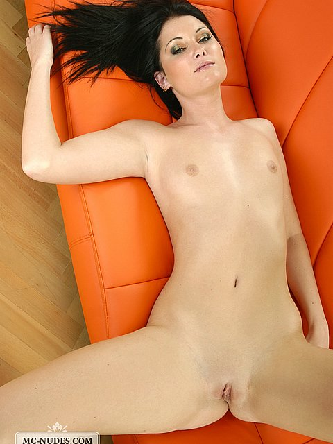 beautiful nude models Italian